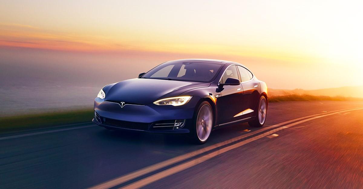 Tesla's report card: An 'F' from the Better Business Bureau