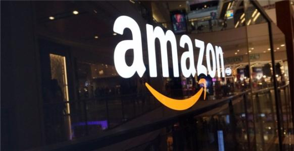 Amazon considering a large Oak Creek distribution center, with over 1,000 full-time jobs